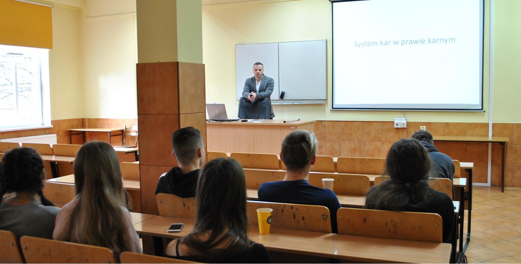 Spotkanie z uczniami LO w Chojnie – Podstawy Prawa (6)
